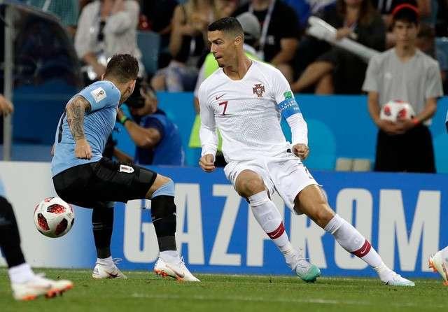 C.Ronaldo đã bất lực hoàn toàn khi đối diện hàng thủ Uruguay