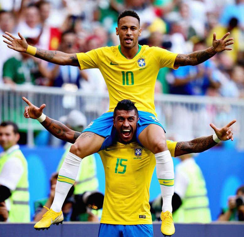 Neymar xứng đáng đi tiếp cùng Brazil