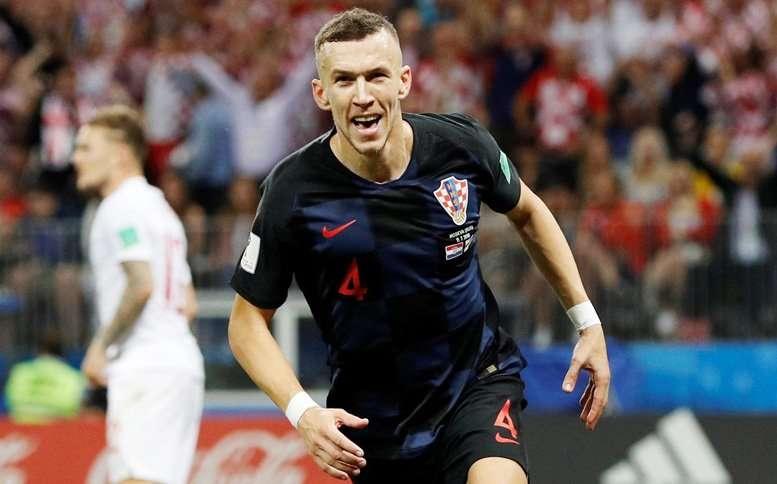 Perisic chấn thương sau khi đưa Croatia vào chung kết