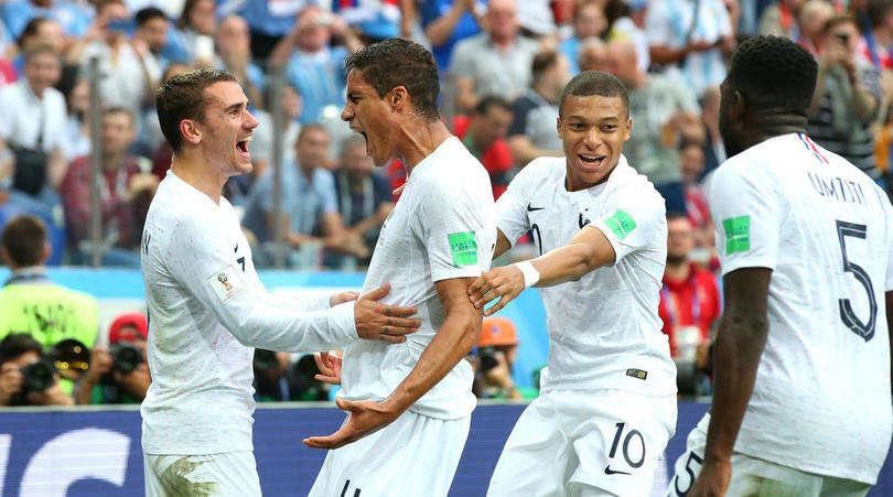 Pháp tiến từng bước chắc chắn vào bán kết
