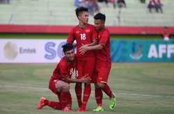 HLV Hoàng Anh Tuấn hài lòng khi U19 Việt Nam thắng đậm U19 Philippines