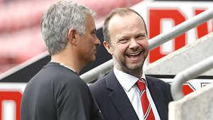 Những điều Mourinho cần làm để vượt qua khó khăn