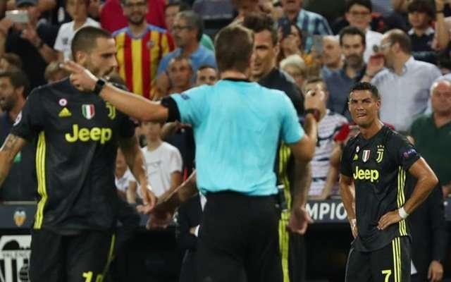 Ronaldo có ngày ra quân đen tối cùng Juventus