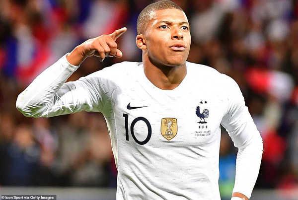 Mbappe đi vào lịch sử bóng đá Pháp