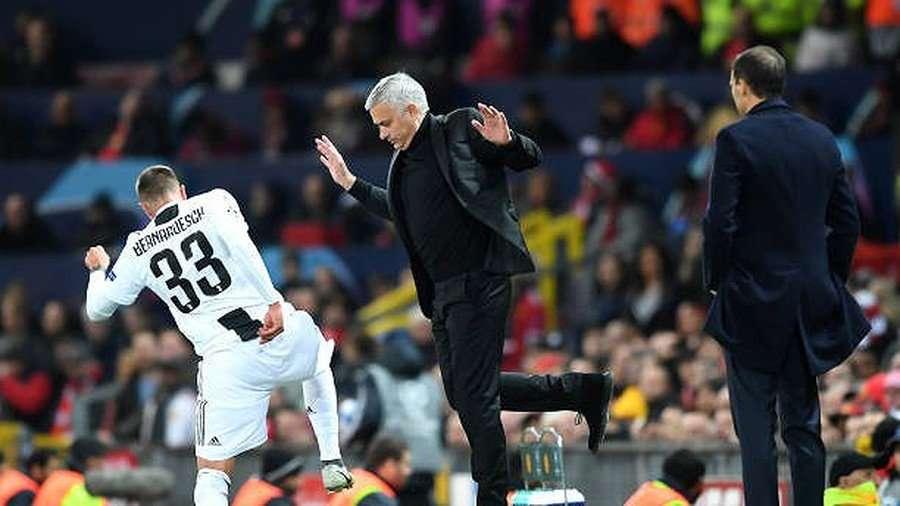 Nỗi khốn khổ của Mourinho trong năm thứ 3 ở MU