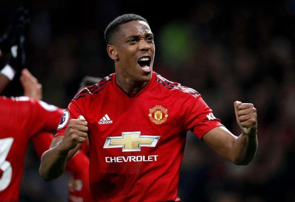 Martial gỡ hòa 2-2 cho MU trận gặp Newcastle