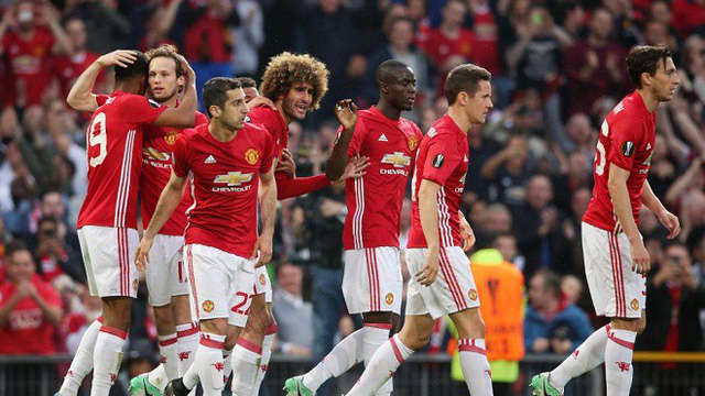 Những mâu thuẫn nội bộ đang tàn phá đội hình của Man Utd