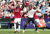 Pogba từ chối trả lời phỏng vấn sau thất bại của Man United trước West Ham