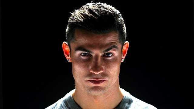 """Nạn nhân bị Ronaldo hiếp dâm: """"Tôi hạnh phúc khi lên giường với Ronaldo"""""""