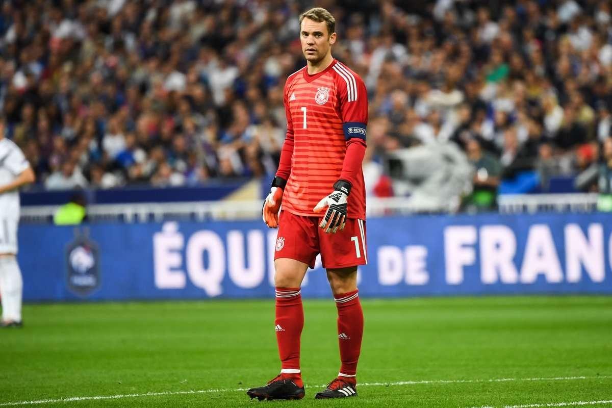 Neuer đang là vấn đề của Đức