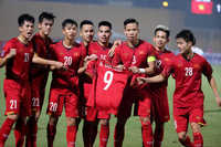 Đội tuyển Việt Nam được bay thẳng từ Hà Nội đến Bacolod để đá bán kết AFF Cup