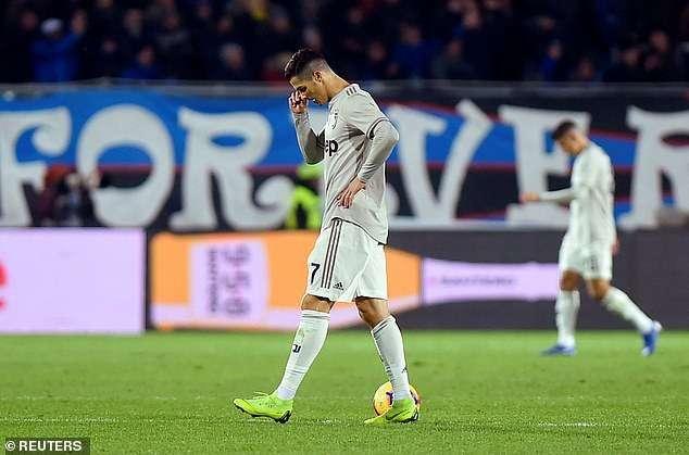 Ronaldo chơi mờ nhạt trước Atalanta