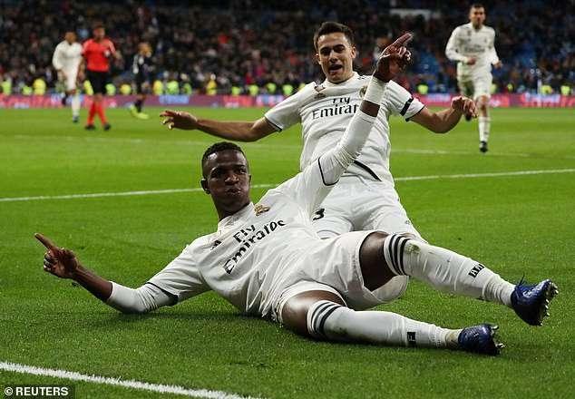 Tài năng trẻ Vinicius ấn định chiến thắng 3-0 chung cuộc cho Real Madrid