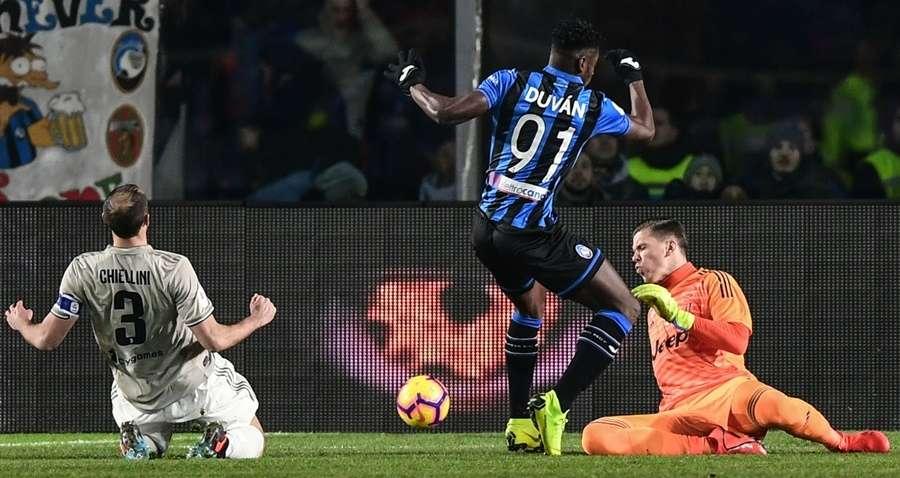 Hàng thủ Juventus có một ngày tệ hại
