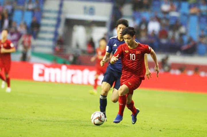 Báo Thái Lan ngưỡng mộ màn trình diễn của tuyển Việt Nam