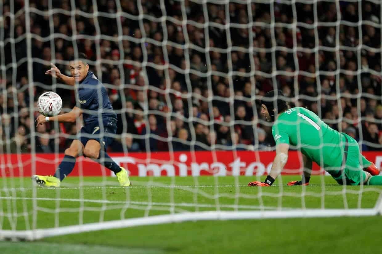 Alexis Sanchez là cầu thủ thứ 9 ghi bàn sau 8 trận với Solskjaer (21 bàn)