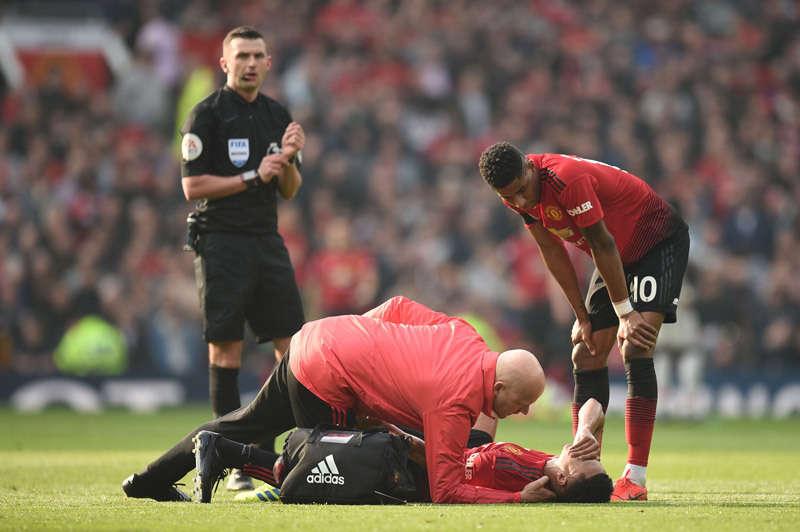 Lingard là 1 trong 10 cầu thủ MU chấn thương