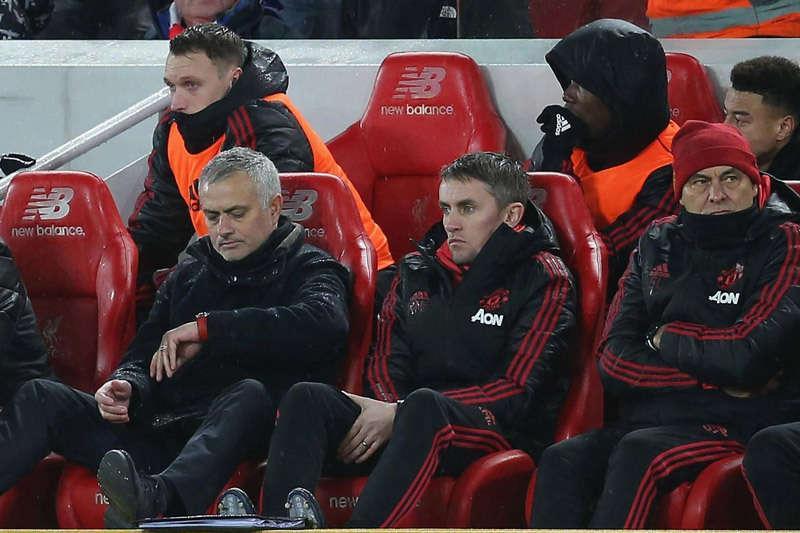 Mourinho giam lỏng Pogba trong trận lượt đi ở Anfield