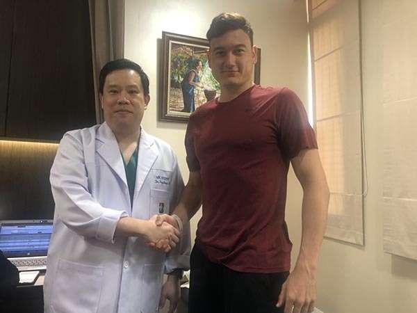 Bác sĩ kết luận tình trạng y tế của thủ môn số 1 tuyển Việt Nam là hoàn hảo