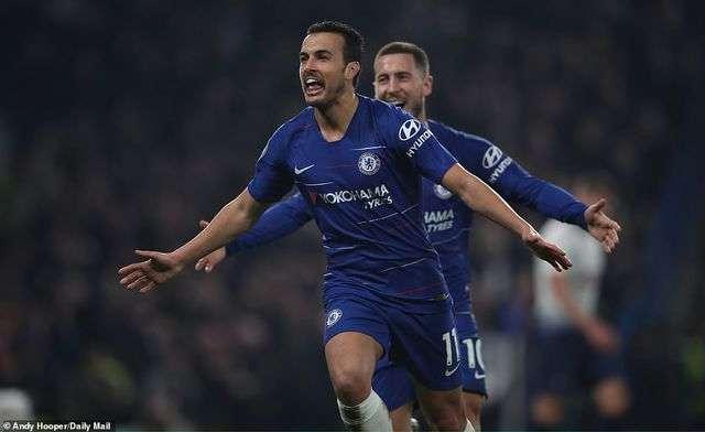 Pedro giúp Chelsea mở tỉ số trước Tottenham