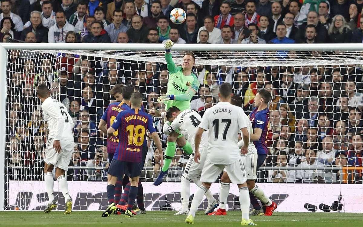 Real Madrid bất lực trước người khổng lồ Ter Stegen