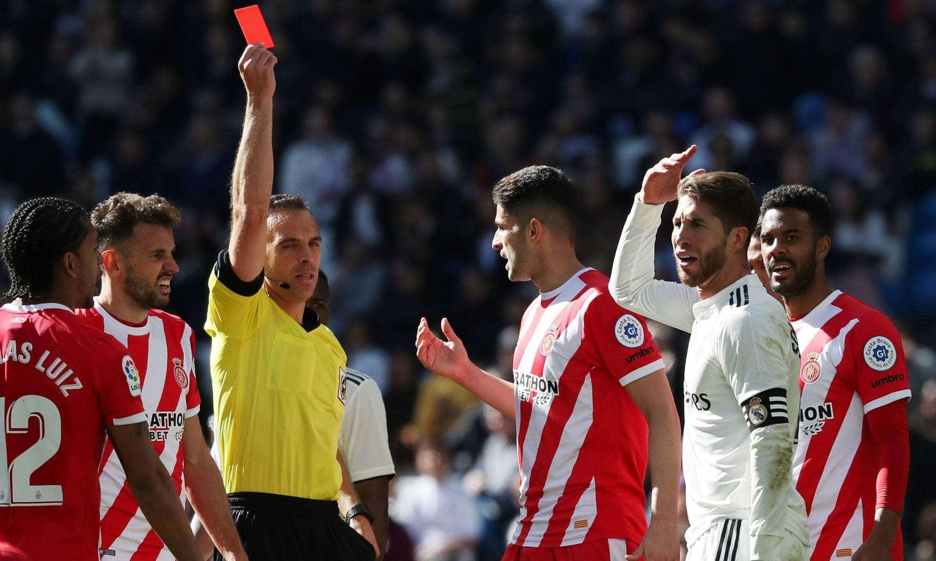 Ramos nhận thẻ đỏ trong trận thua ngược của Real Madrid