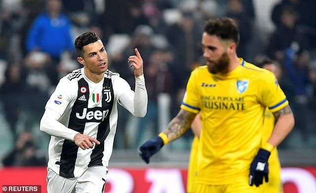 C.Ronaldo lập công trong chiến thắng của Juventus