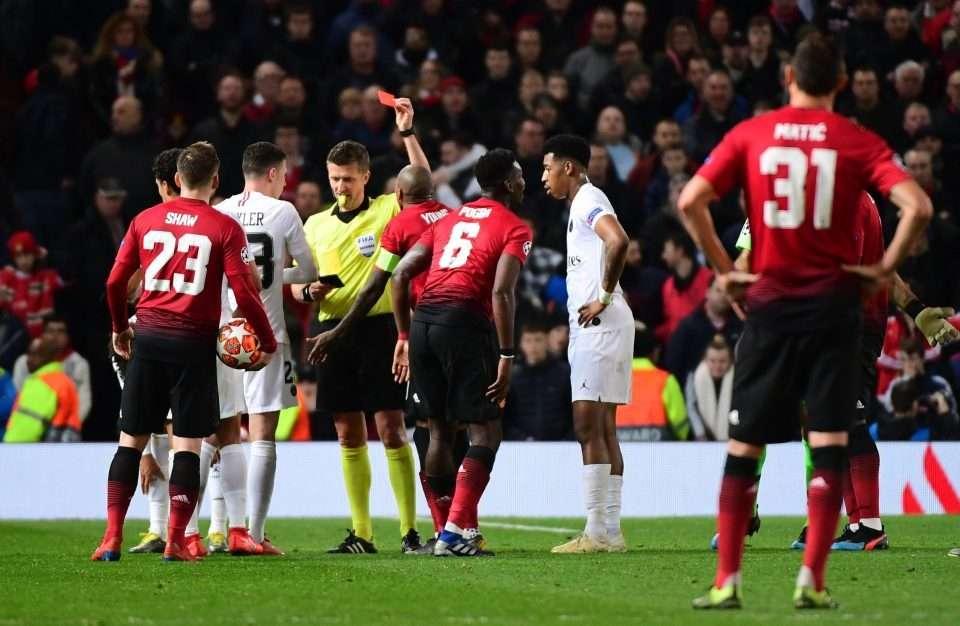 Pogba bị truất quyền thi đấu lúc cuối trận