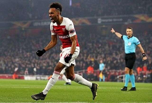 Aubameyang tỏa sáng giúp Arsenal giành quyền vào tứ kết Europa League