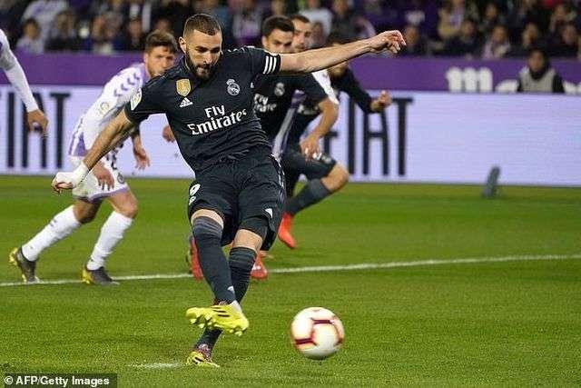 Benzema lập cú đúp giúp Real Madird dẫn 3-1 ở hiệp 2