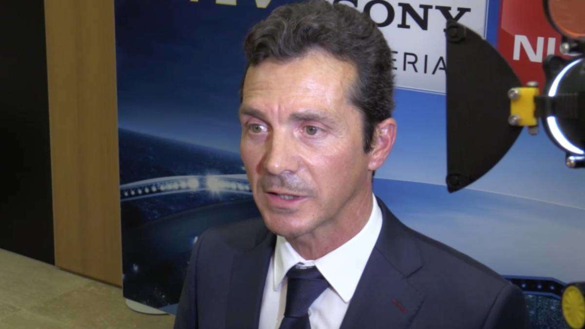 Giám đốc quan hệ thể chế Guillermo Amor lạc quan khi Barca gặp MU