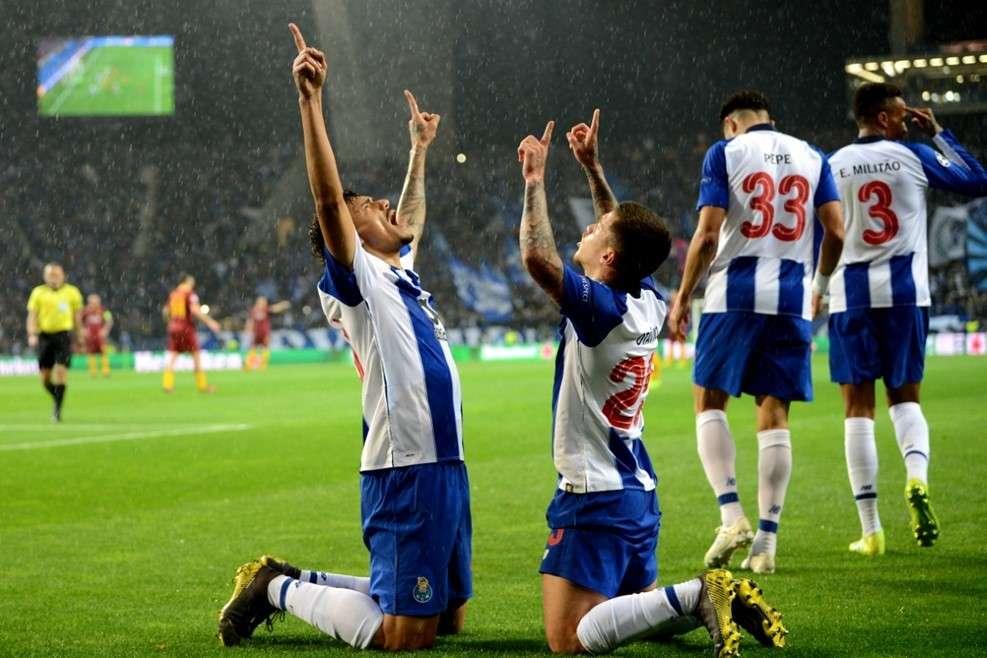 Porto giành vé vào tứ kết ngoạn mục