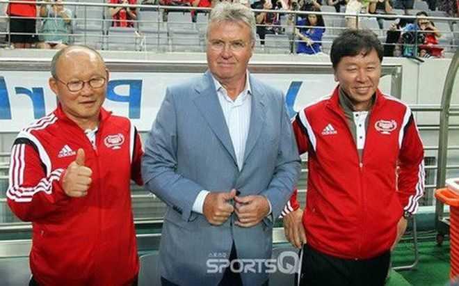 Truyền thông Hàn Quốc mong chờ cuộc tái ngộ giữa HLV Park Hang Seo và Guus Hiddink
