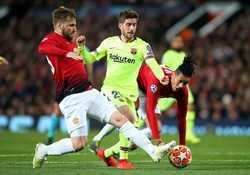 Luke Shaw sẽ không thể ra sân trong trận đấu tứ kế lượt về Champions League với Barca vì bị treo giò