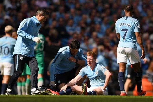 Dính chấn thương De Bruyne sẽ không thể dự trận derby Manchester