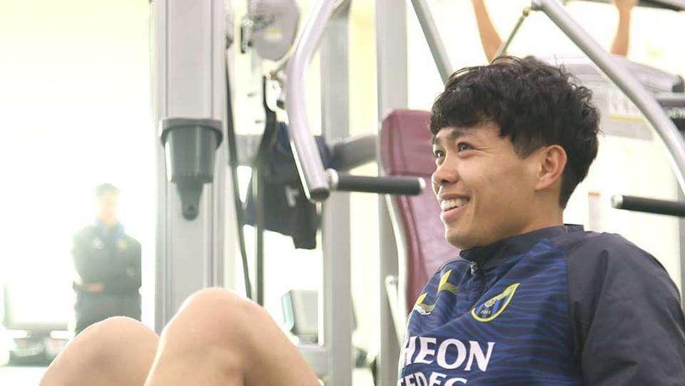 Công Phượng được khuyên nhủ, hãy cứ chân thành và kiên định như Park Ji Sung từng làm khi đến MU