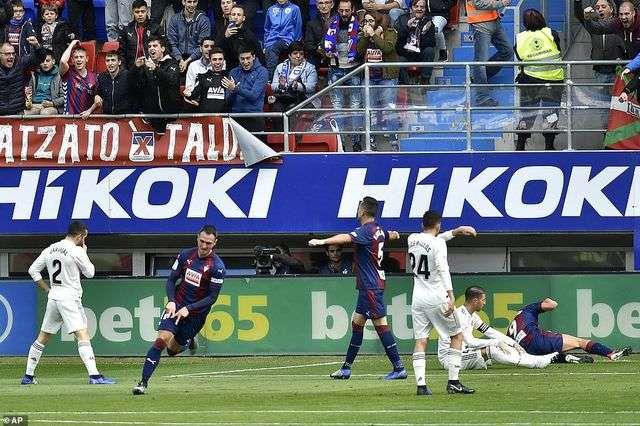 Eibar đã gây sốc khi đánh bại Real Madrid 3-0 ở lượt đi