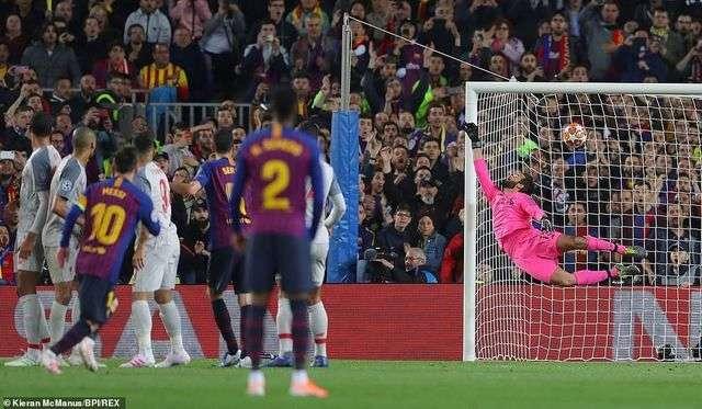 Sự tỏa sáng của Messi ở cả 2 trận bán kết Champions League vẫn không đủ giúp Barcelona có vé vào chung kết