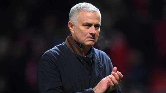 """Mourinho: """"Vấn đề của M.U không chỉ nằm ở mỗi Paul Pogba"""""""