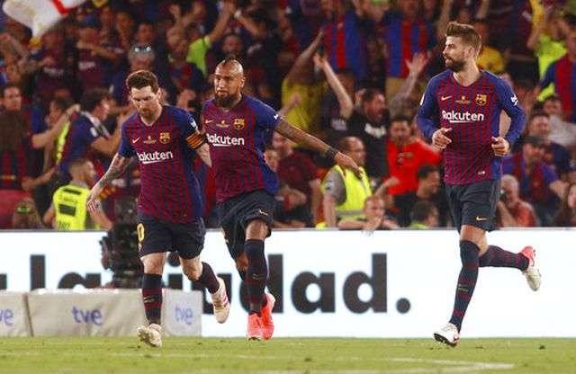 Ở Barcelona luôn có rất nhiều tài năng và luôn hỗ trợ cho Messi (trái)