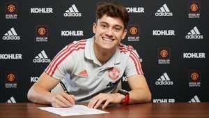 Daniel James chính thức ra mắt Man United