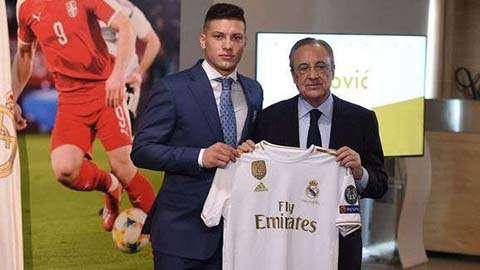 Jovic đã tới Real Madrid hoàn tất hợp đồng