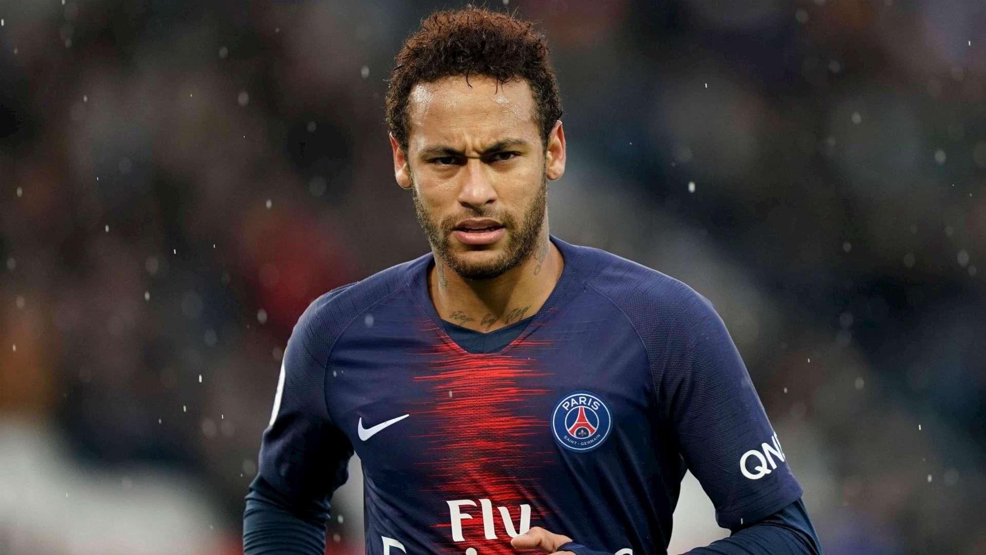 Neymar không hạnh phúc ở Paris
