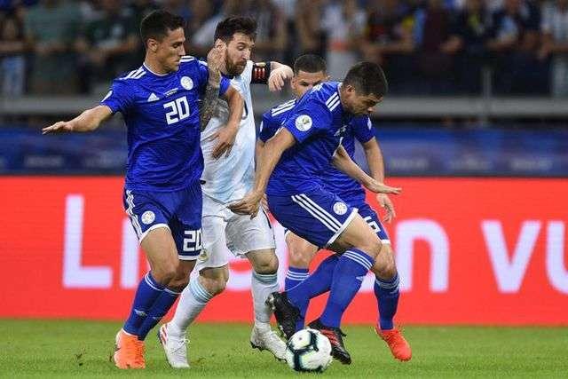 Sự phụ thuộc quá mức vào Messi khiến Argentina trở nên vô hồn