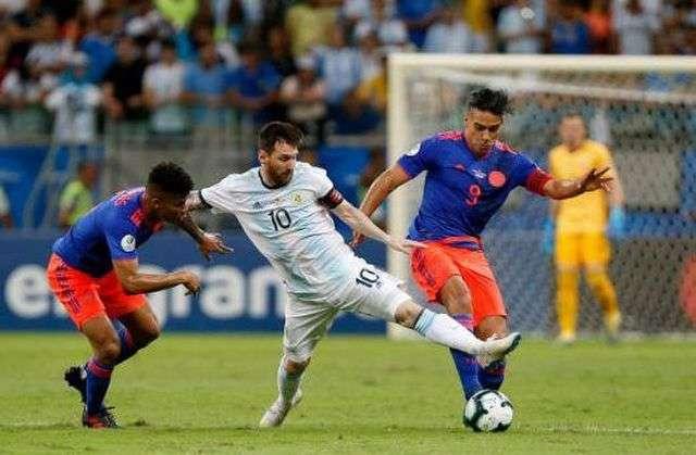 Argentina đã gây thất vọng lớn khi để thua Colombia ở ngày mở màn