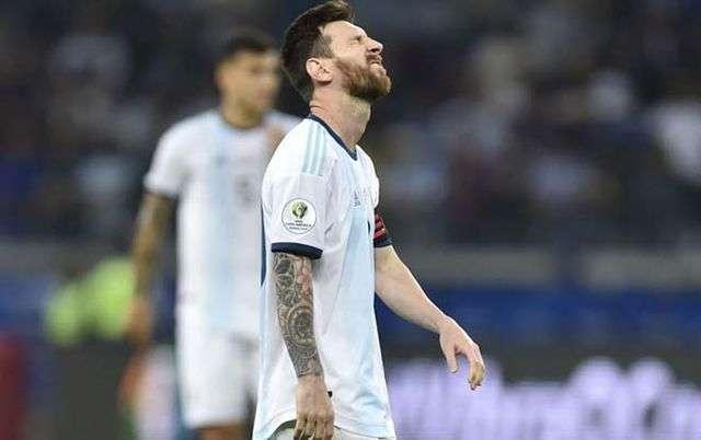 Messi không tìm được tiếng nói chung với các vệ tinh