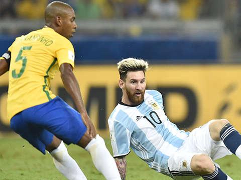 Brazil-Argentina chính là trận đấu mà Copa cần lúc này, sau những vấn đề về công tác tổ chức, khán giả ít và VAR