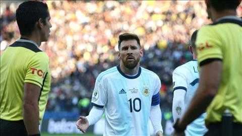 HLV Tite cùng đội tuyển Brazil lên tiếng chỉ trích Messi