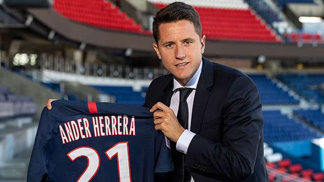 Tuyến giữa MU đã hổng khá lớn về kinh nghiệm khi Herrera ra đi