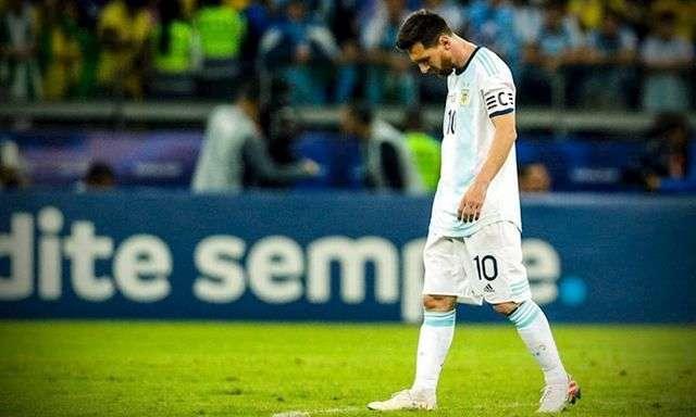 Messi không từ giã đội tuyển Argentina